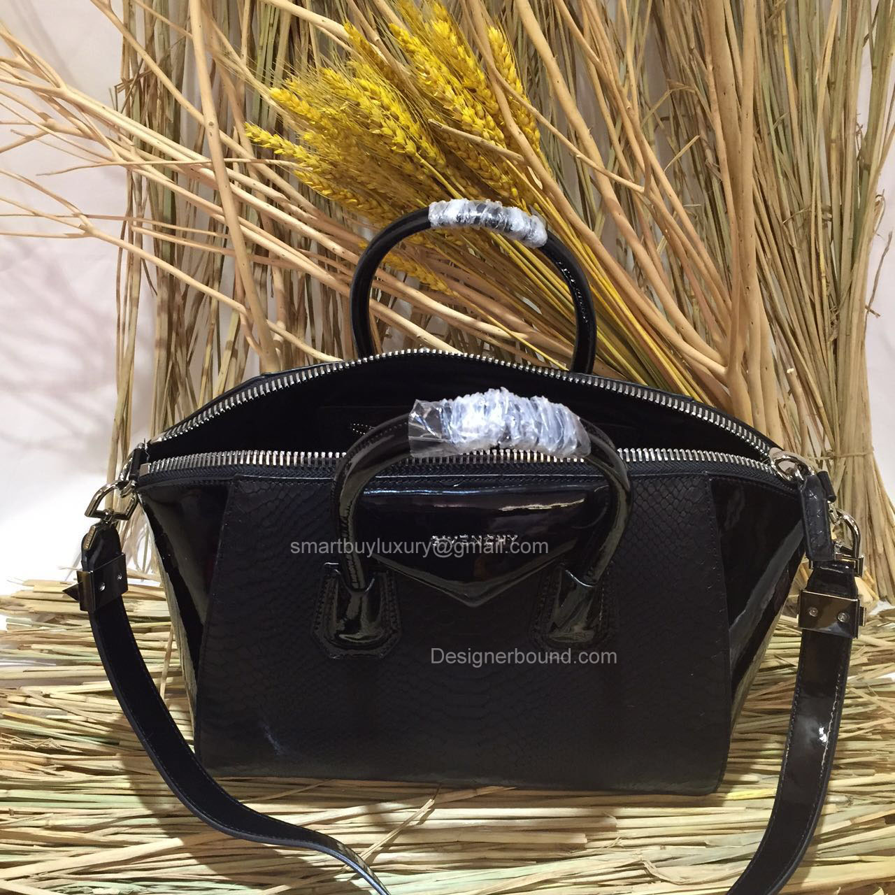 GIVENCHY MEDIUM ANTIGONA BAG IN BLACK PYTHON AND PATENT LEATHER 285173L   373.00 7b13186eaa9f4